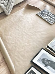 Easyinterieur Bilderwand auf Geschenkpapier malen