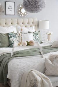 Schlafzimmer Grün Accessoires Kerzen