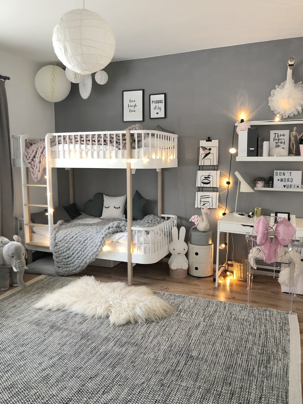 Easyinterieur Kinderzimmer Schreibtisch Bett